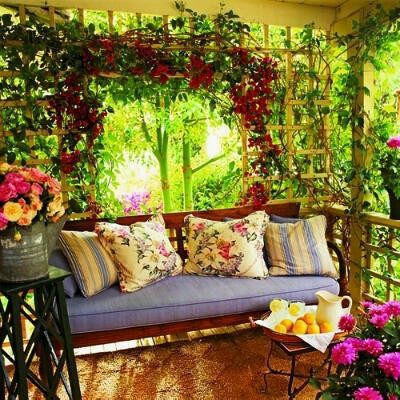 Colorful porch 💐 it's beautiful !!