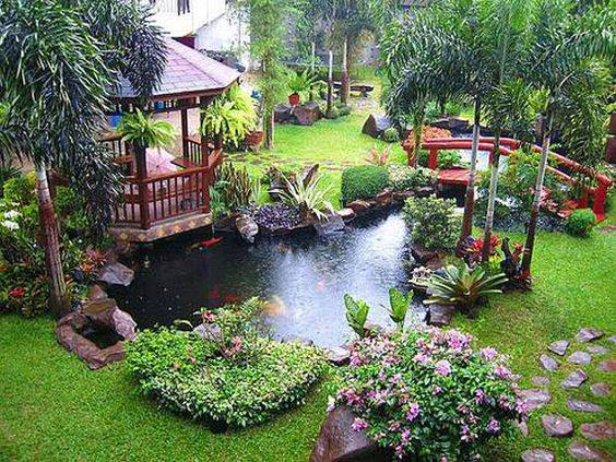 pretty cool backyard <3