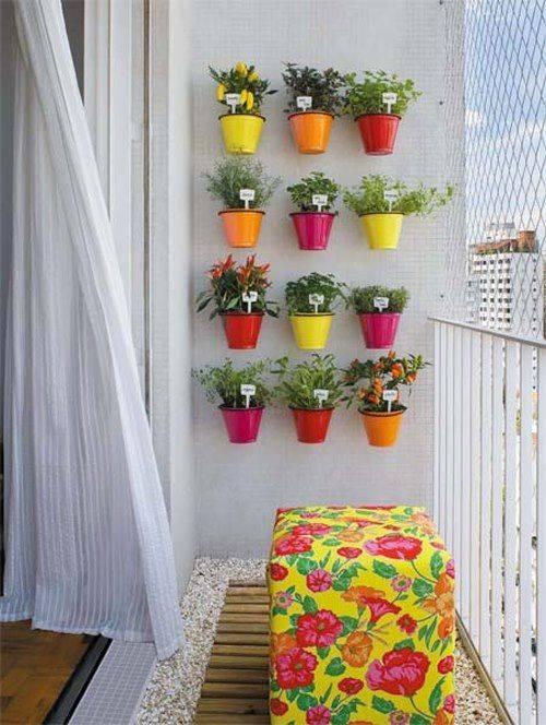 Nice balcony decoration idea!!