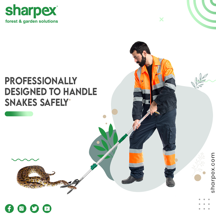 Sharpex Snake Catcher is long enough for you to keep a safe distance from the snake  #GardeningTools #ModernGardeningTools #GardeningProducts #GardenProduct #SharpexIndia