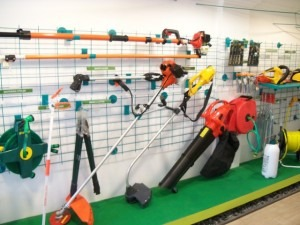 Some useful tips on taking care of your #gardening tools.