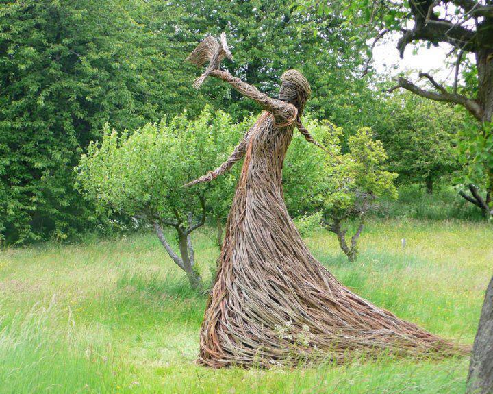 Trevor Leat - Willow Sculpture