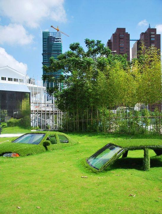 In an ever expanding world, cities are stretching into nature's territory, changing open space into office space. Life becomes more hectic everyday with city governments understandably turning to more temporary solutions to contrast the lifeless, grey concrete with live, green vegetation.