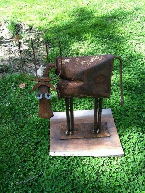 recycled garden art!  #recyclegarden