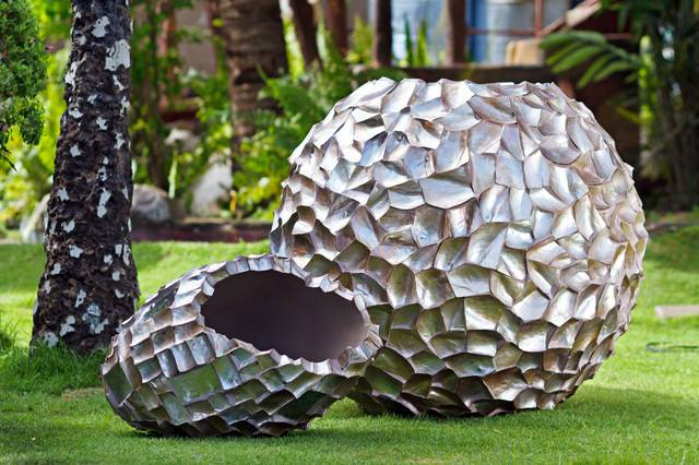 #outdoorgarden look beautiful with this amazing #garden object..!!