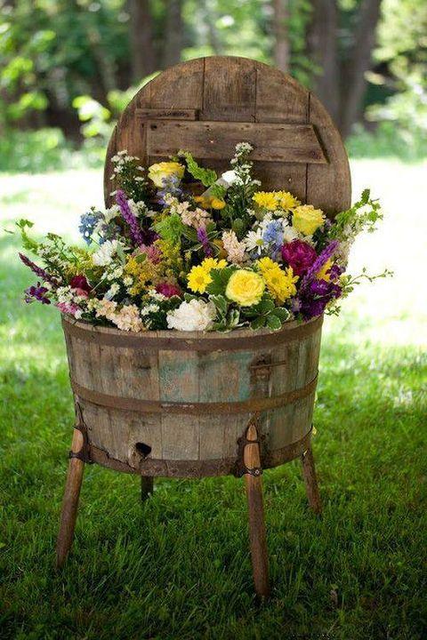 Rustic #garden decoration idea..