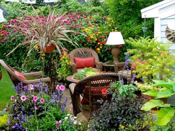you would love to spend some time in this outdoor garden arrangement!
