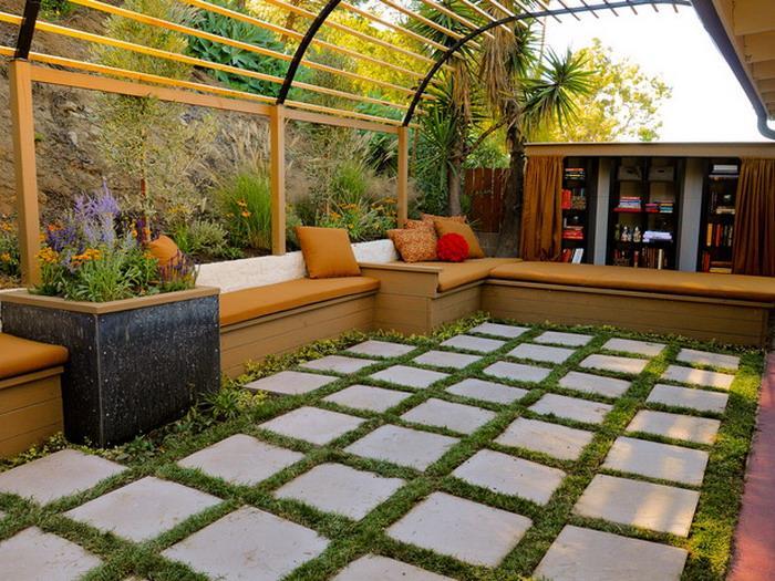Small Home Garden Pergola!