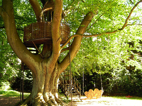 Family Garden -  tree house!