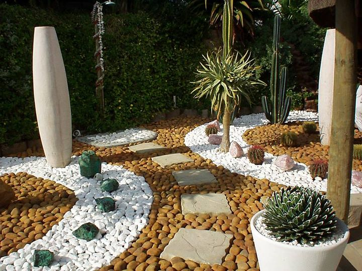 fabulous pebble garden design. #pebblegarden