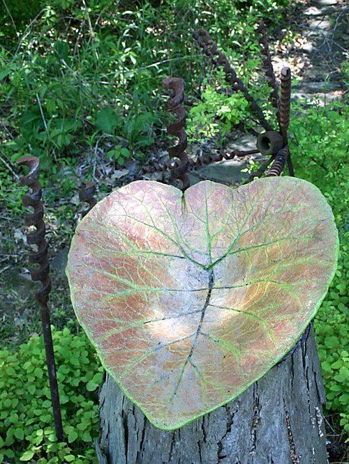 Leaf Yard Decoration !! Such a nice <3