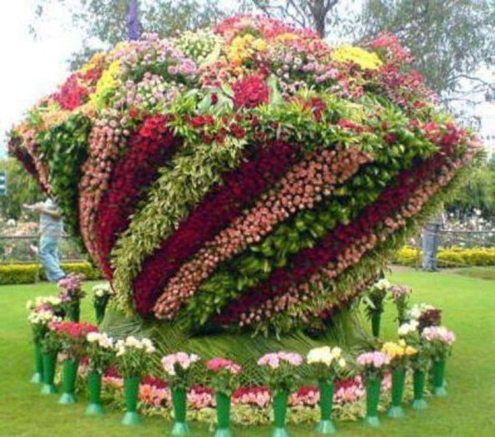 Very cute real #flowersculpture